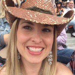 Lisa Gacek, Directrice des comptes numériques