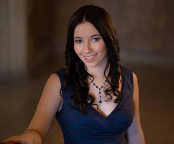 ALYSSA CRNKOVIC, Assistante administrative, médias